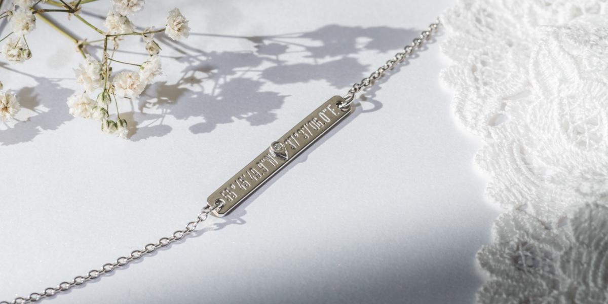bracelet gravé coordonnées gps